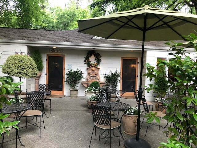 A Perfect Getaway at the Cottage Grove Inn in Calistoga 2